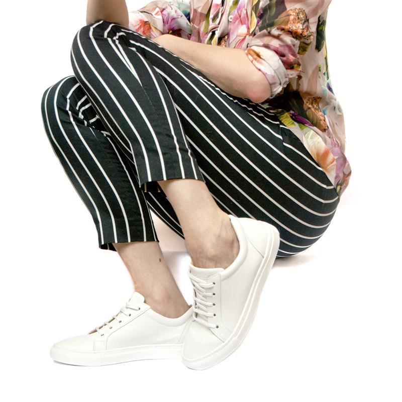 Sneakersy LOOP White